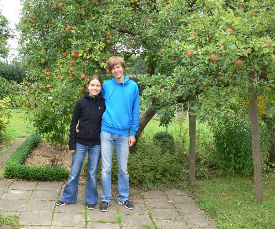Melanie und Sönke im Garten
