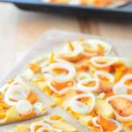 Flammkuchen mit Kürbis, Quitte und Zwiebeln