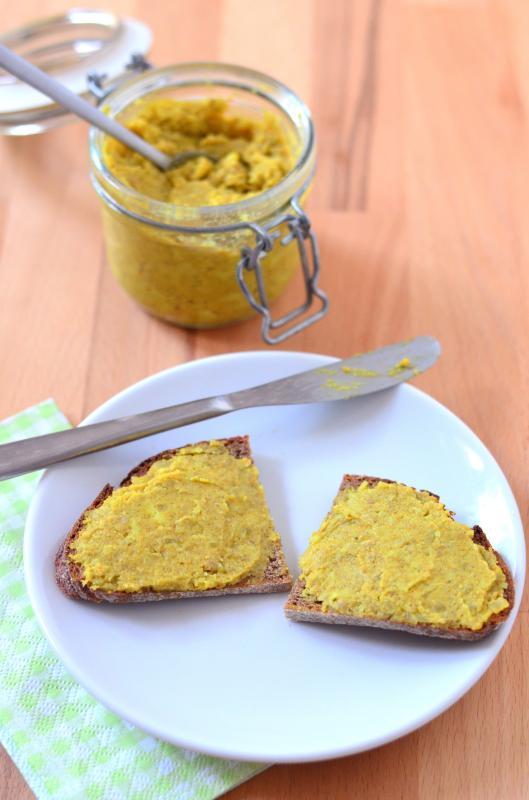 Curry-Aufstrich mit Linsen (vegane Variante)