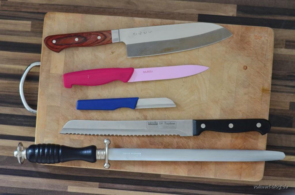Unsere Messer, Wetzstahl auf Holzbrett
