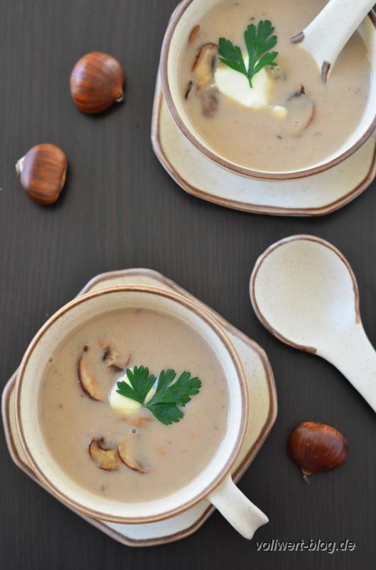 Esskastanien-Champignon-Suppe mit Thymian