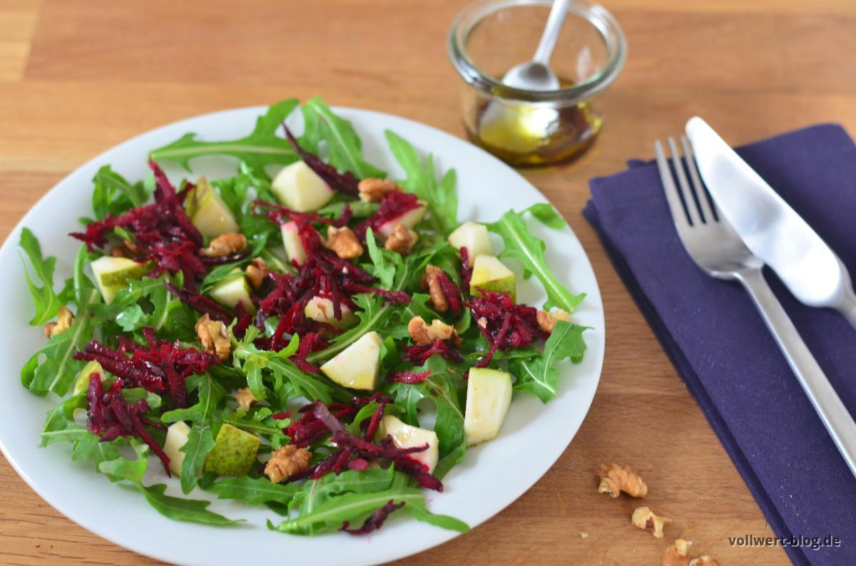 Rote Bete-Rucola-Birnen-Salat mit Walnüssen