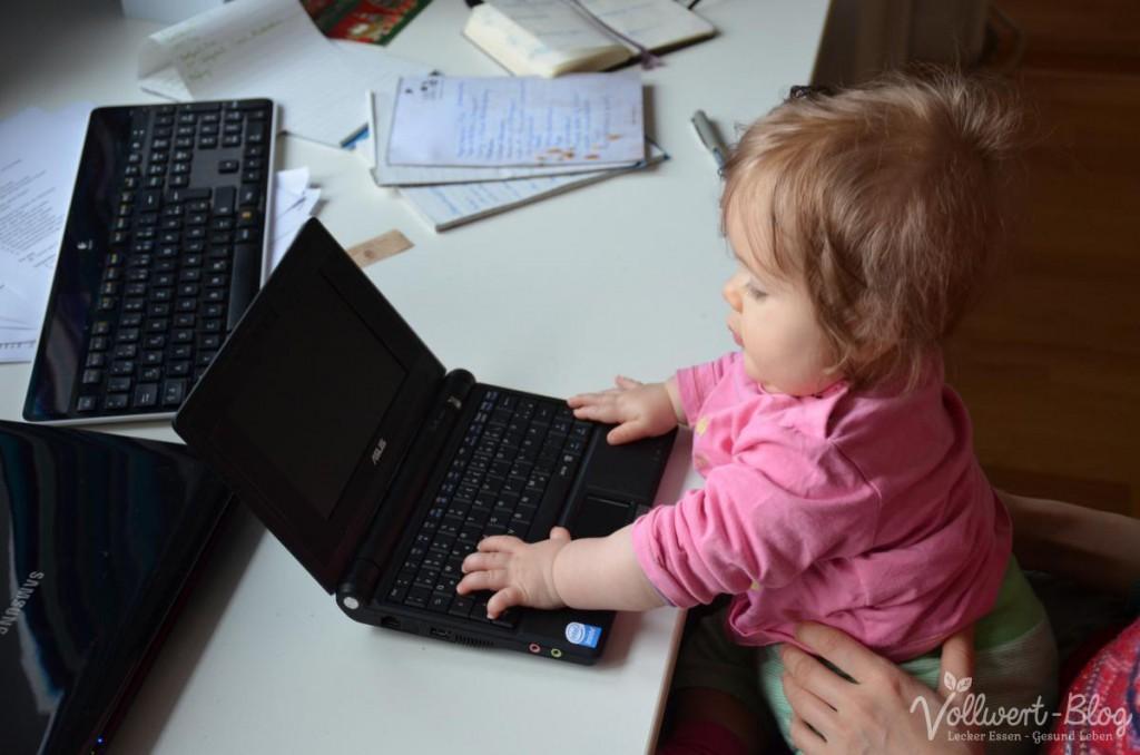 Melissa beim Schreiben