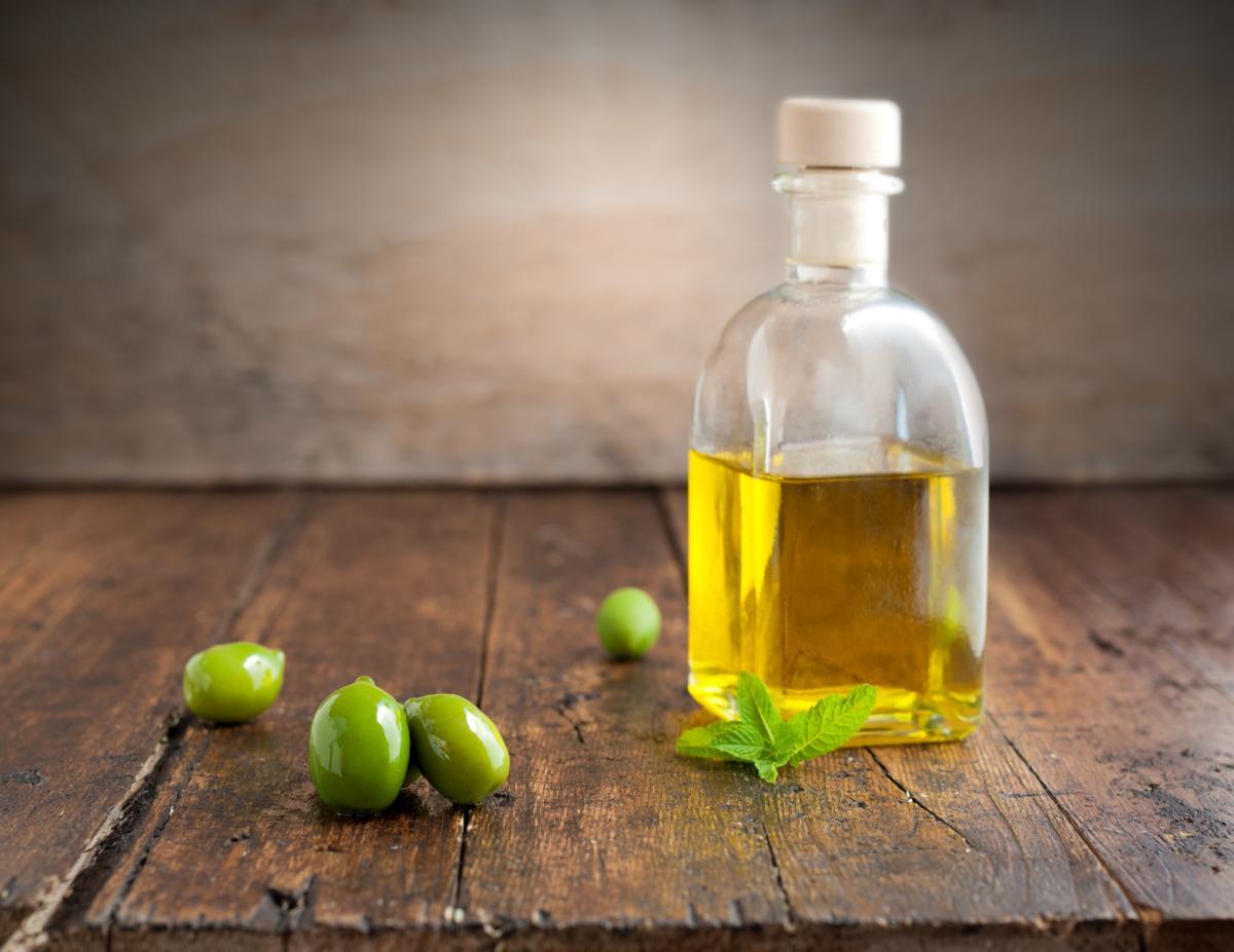 Wie wird hochwertiges Olivenöl hergestellt und wie lässt ...