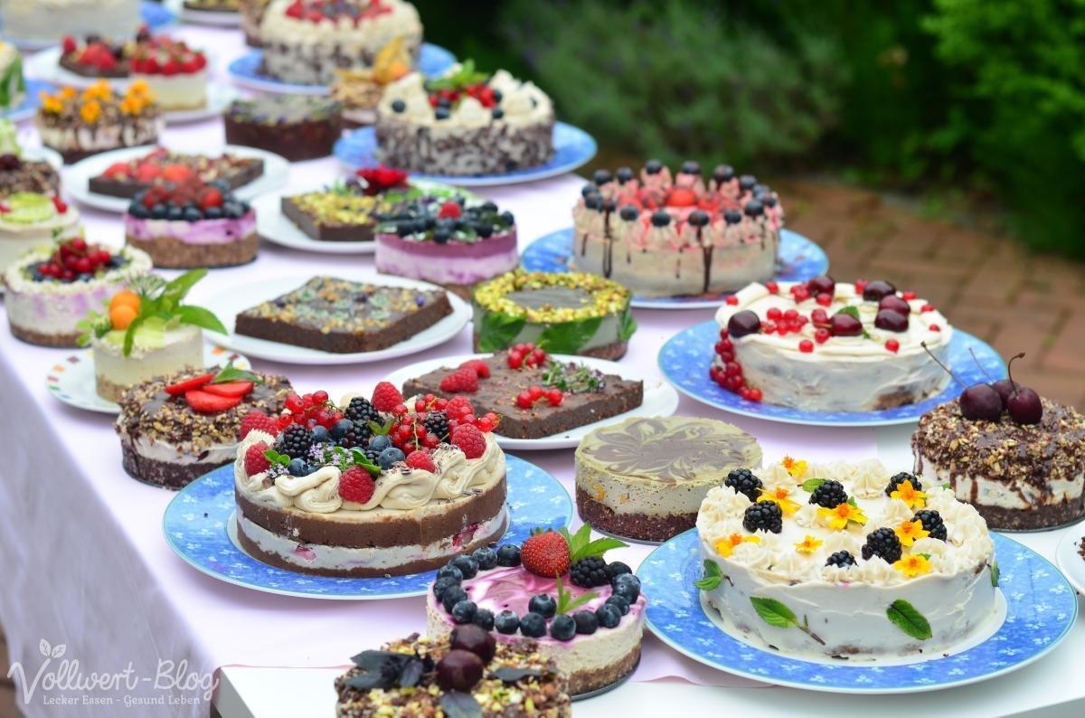 Im rohkost paradies die rohk stliche kuchen und torten for Schaufenster dekorieren lernen