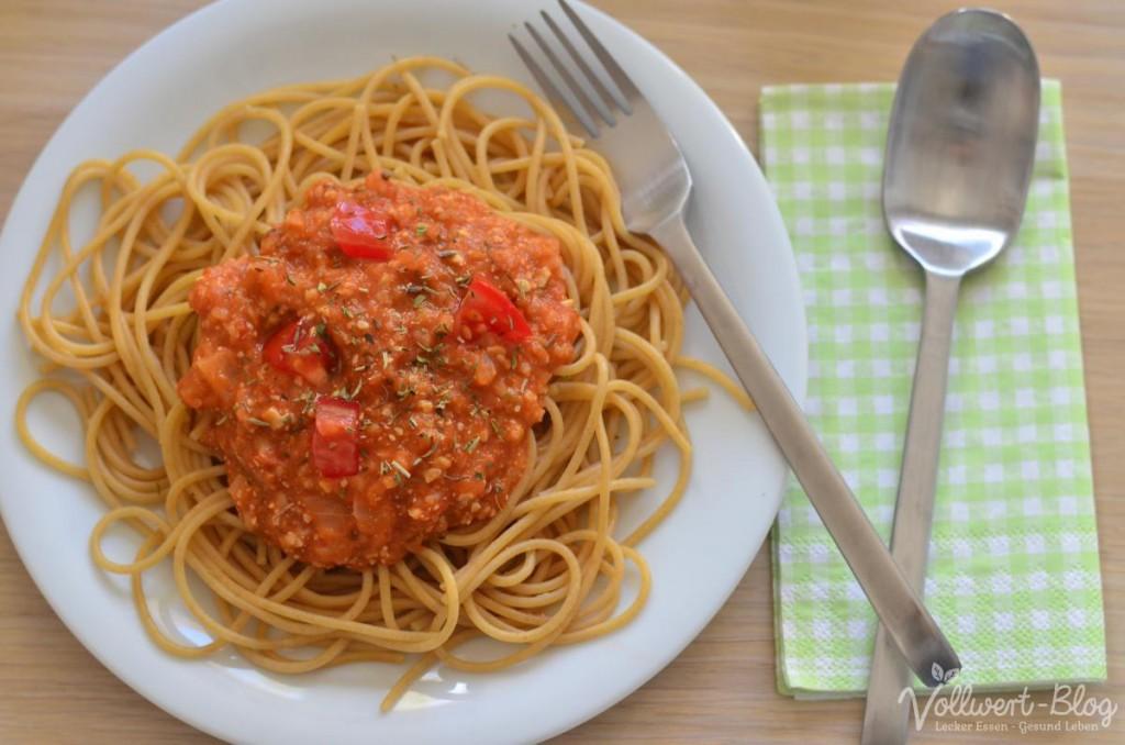 Vegane Bolognese mit Vollkorn-Spaghetti