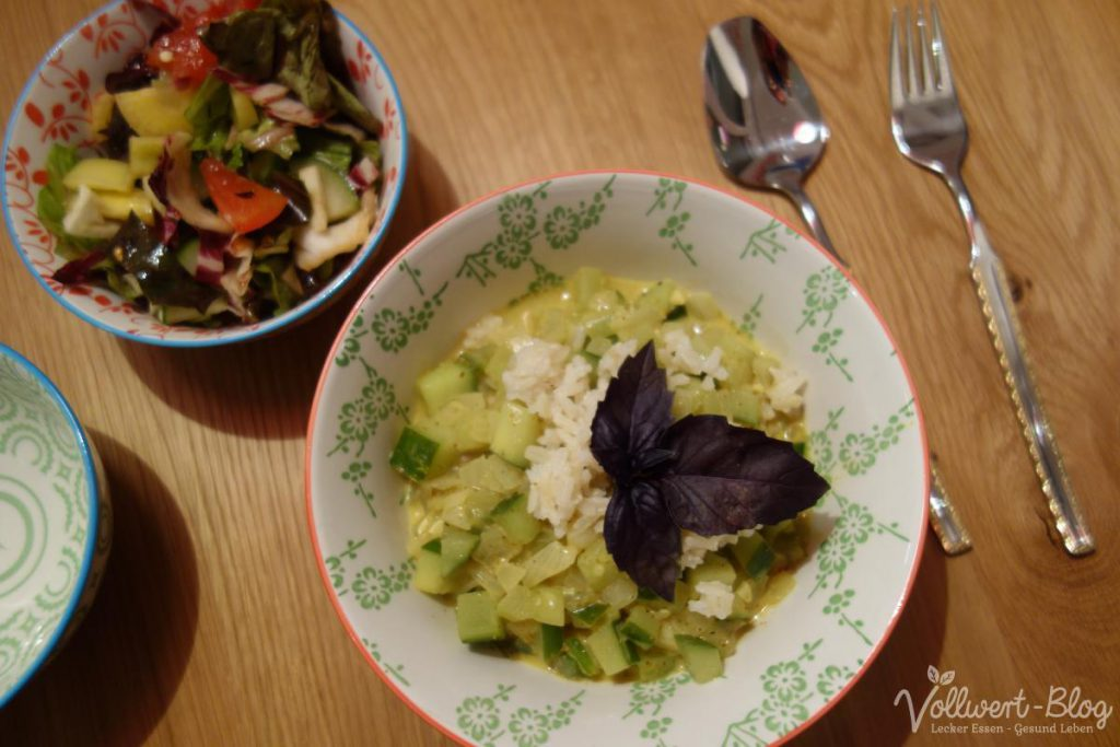 Gurken-Curry mit Vollkornreis + gemischter Salat