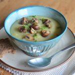 Kartoffel-Sellerie-Cremesuppe mit gebratenen Pilzen und Kresse