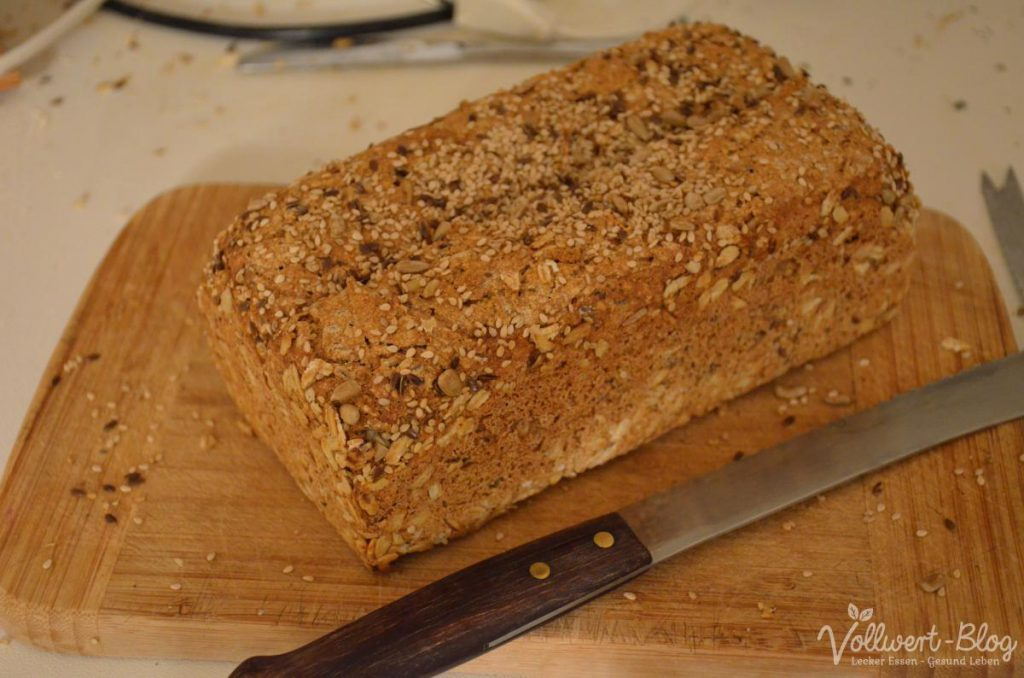 Buchweizen-Dinkel-Brot mit vielen Saaten