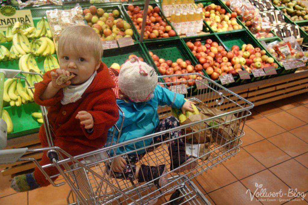 Beim Einkauf im Bioladen