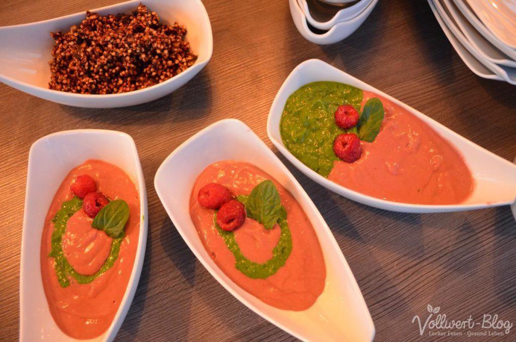 Frühstücks-Bowl mit Buchweizen-Granola