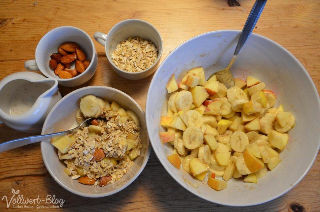 Obstsalat, Haferflocken & Nussmilch