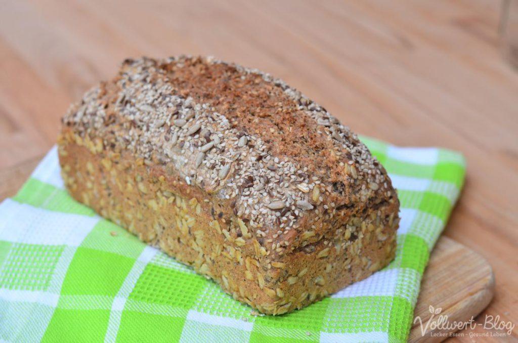 Vollkorn-Buchweizen-Dinkel-Brot