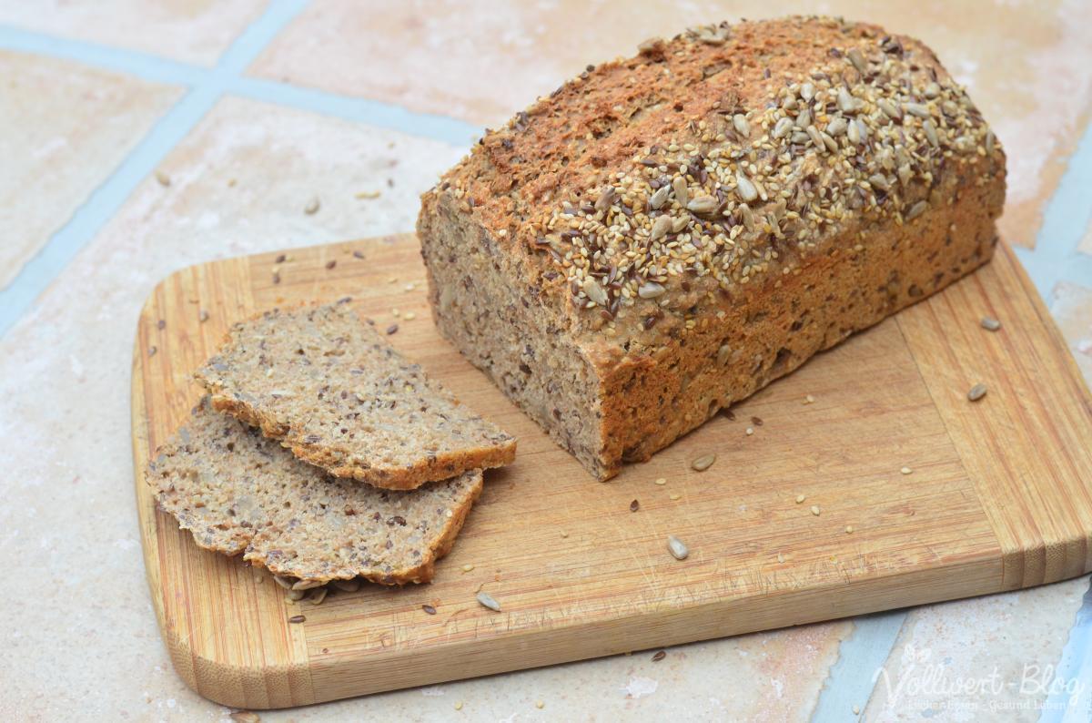 Vollkorn-Dinkel-Buchweizen-Brot