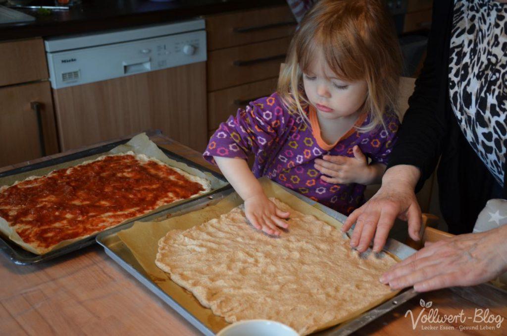 bei der Pizza-Zubereitung