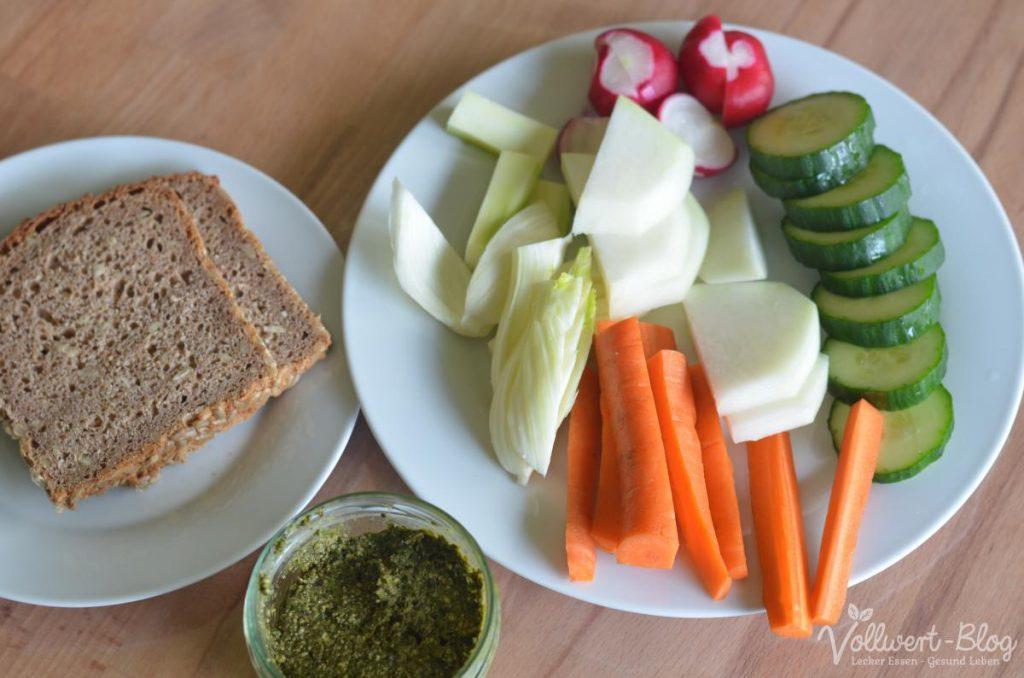 Vollkornbrot, Gemüse-Rohkost & Pesto