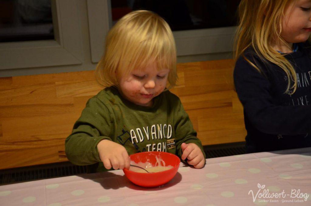 beim Vanillesaucen essen