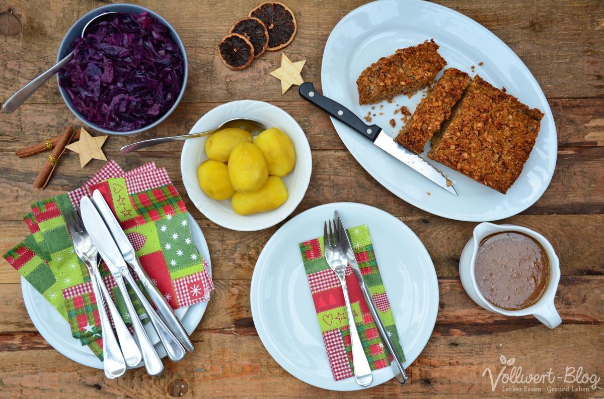 Vollwertiges Weihnachtsessen mit Nussbraten, Apfel-Rotkohl & Bratensauce