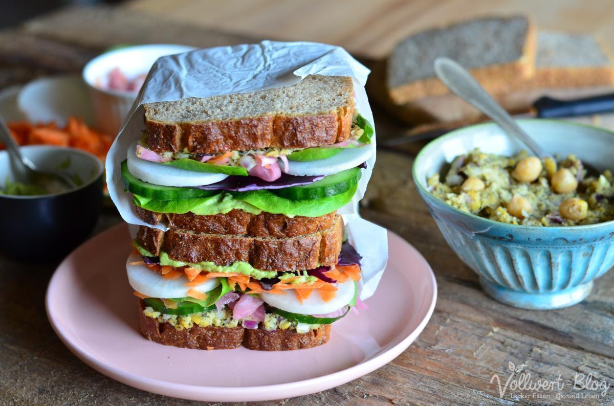 Reichlich belegtes Sandwich