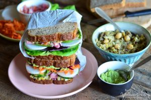 Sandwich mit vegetarischer Thunfisch Creme