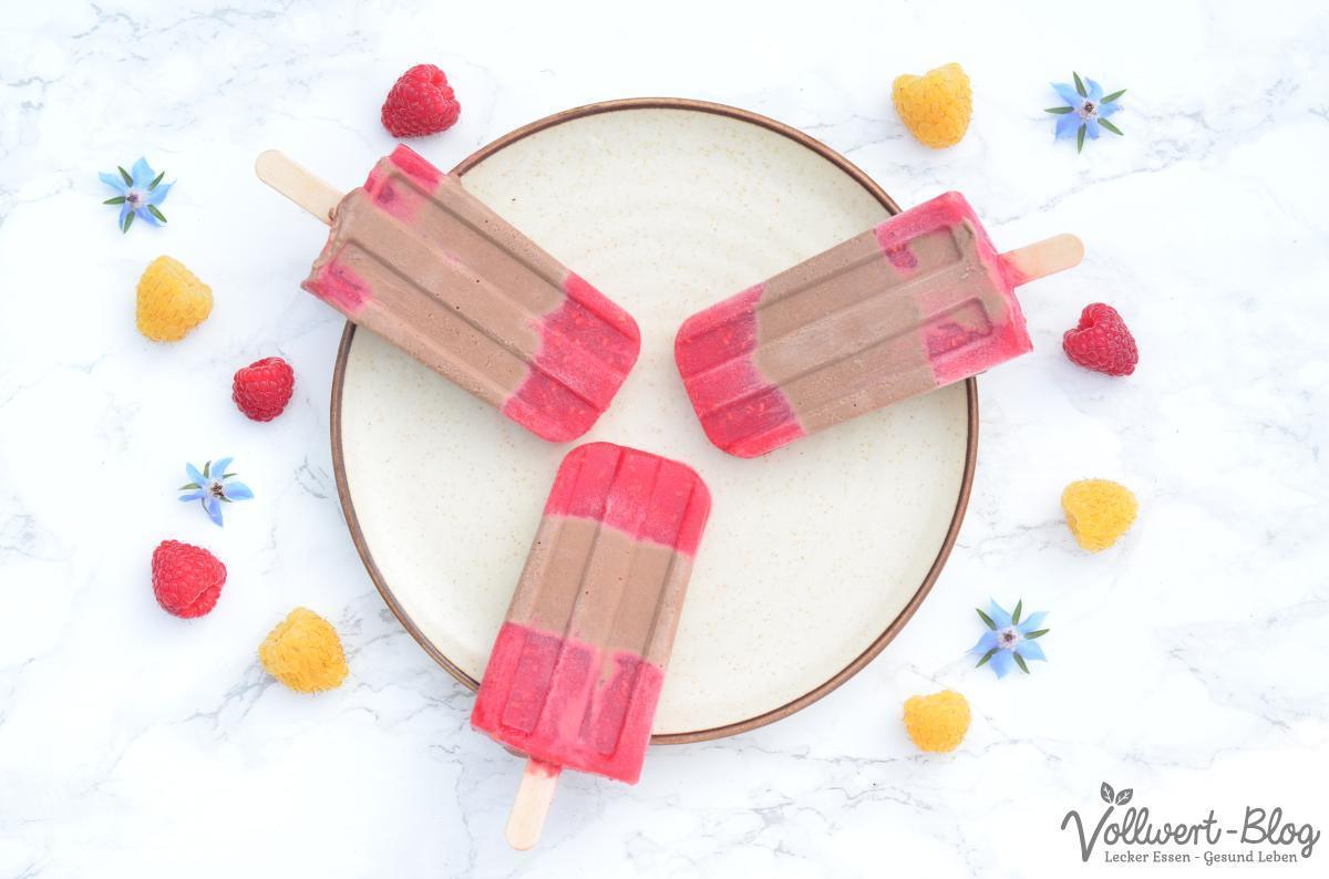 Schokoladen-Himbeer-Eis am Stiel (Popsicles)