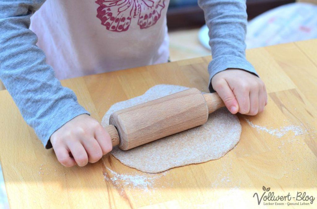 Teig ausrollen für Vollkorn-Tortillas
