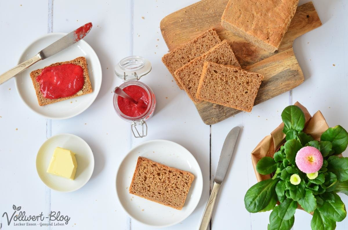 Vollkorn-Toasbrot mit Marmelade