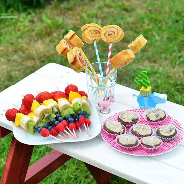 vollwertige Kuchen zum 4. Geburtstag